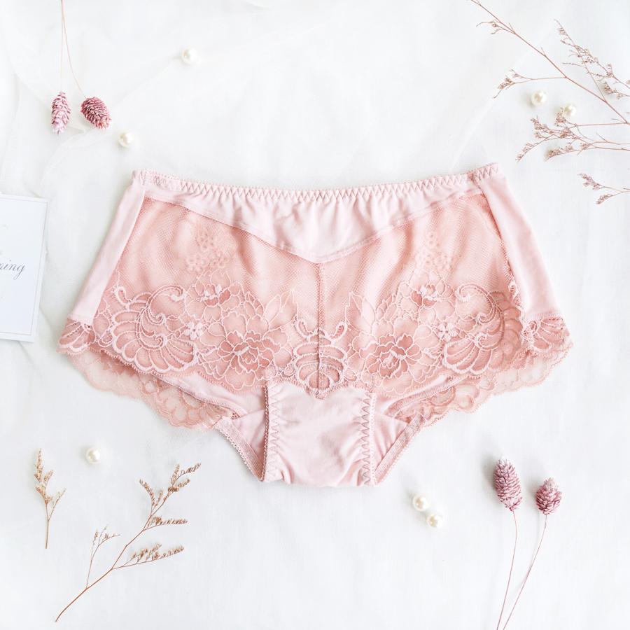 【A+手捧】無痕蕾絲平口褲
